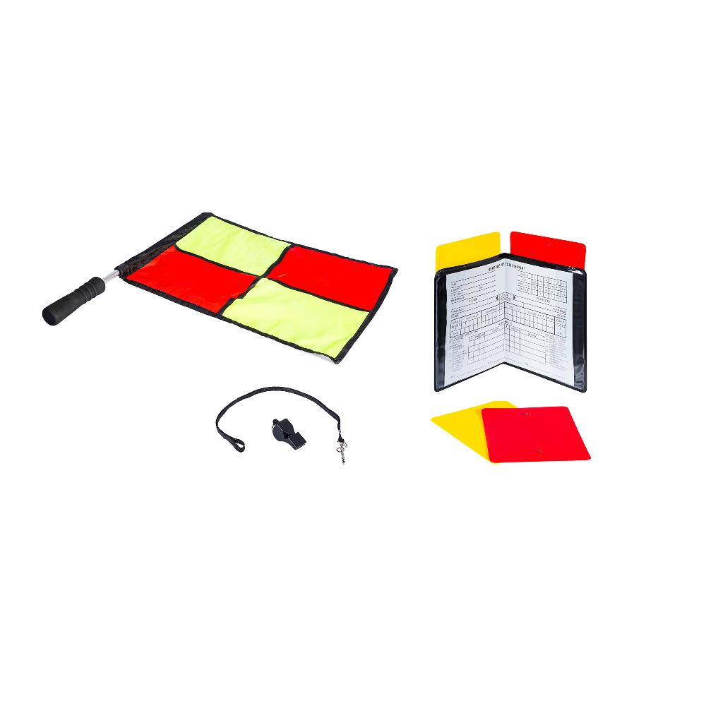 Ensemble contenant un drapeau, un sifflet, un calepin et des cartons pour un arbitre novice de soccer