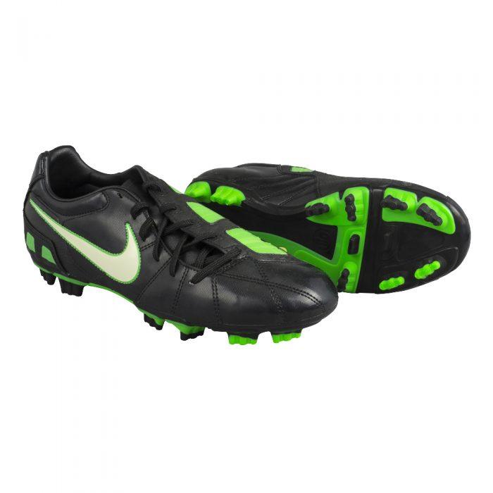 Souliers de soccer Nike Total90 Shoot III FG