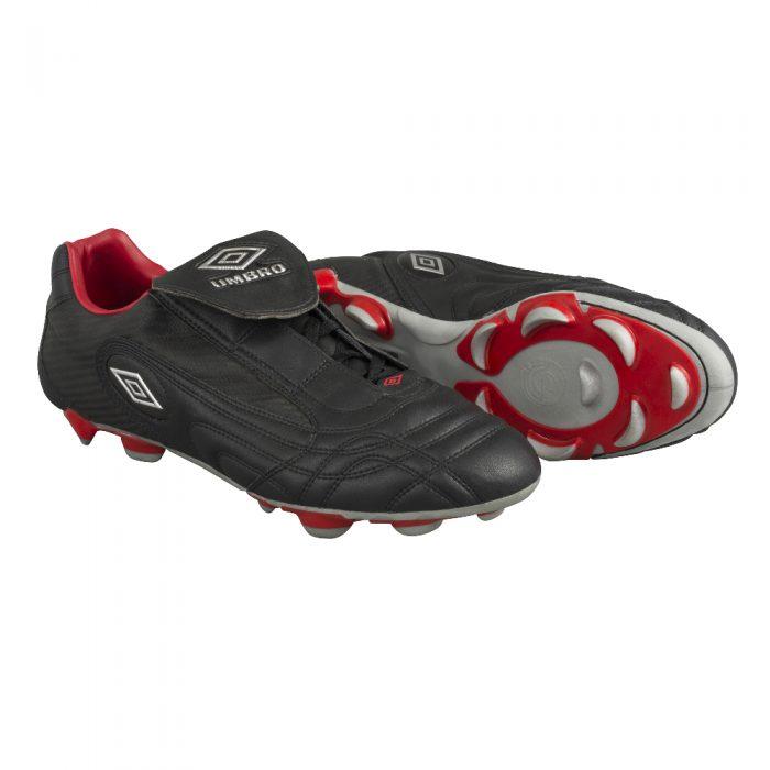 Souliers de soccer Umbro Enigma