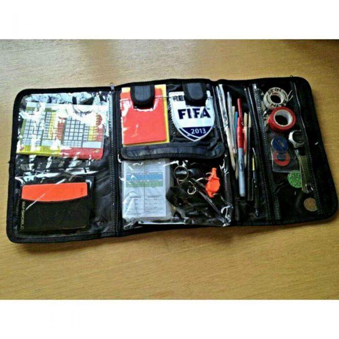 Trousse pour arbitre de soccer pour ranger badge, sifflet, crayons, cartons et autres accessoires utiles